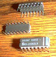 Buy Lot of 18: Signetics 10106F KS-22262L9