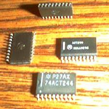 Buy Lot of 38: Motorola ACT244 + National Semi 74ACT244