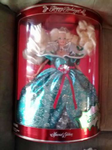 HAPPY HOLIDAYS SPECIAL EDITION 1995 BARBIE DOLL NEW IN BOX