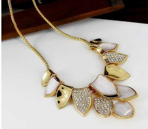 Super special: 3 beautiful necklaces on sale Free shipping
