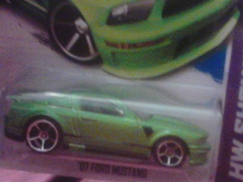 2013 Hot WheelS '07 Ford Mustang green Tampo Variation R@RE ERROR Moc!
