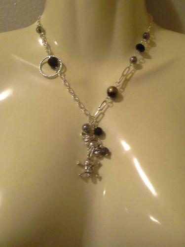 *~New Silvertone Beaded Skulls Necklace Set