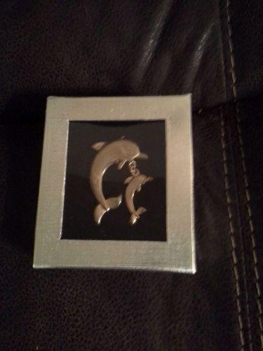 *~NIB Beautiful Gold plated Dolphin & Baby Dolphin Brooch