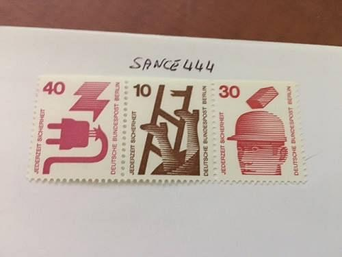 Berlin Safety imperf. top strip mnh 1974