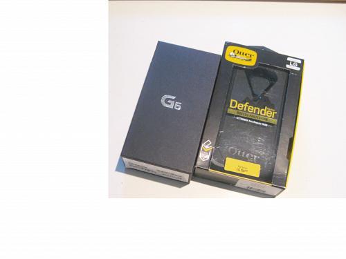 New Cond. Unlocked Black 32gb AT&T LG G6 Bundle!!