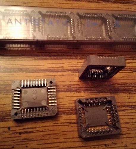 Lots of 28: AMP 822273-1 PLCC Socket 32 POS :: FREE Shipping