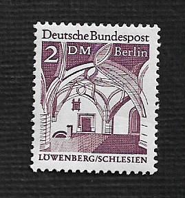 German Hinged Scott #9N250 Catalog Value $2.20
