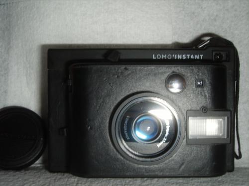 """Lomography Li8oob Lomo'Instant Camera """"Black Edition""""."""