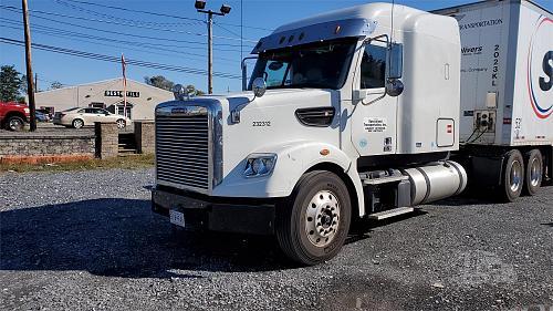 2019 Freightliner Coronado 122 SD Semi Tractor