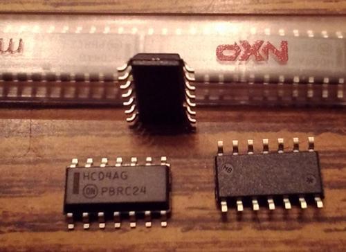Lot of 10: ON Semiconductor MC74HC04ANG