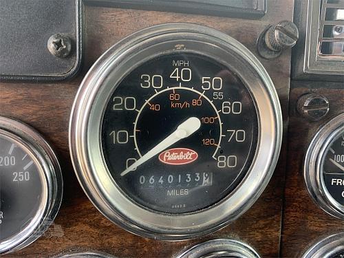 1995 Peterbilt 379 Semi Tractor