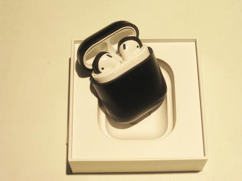 2nd Gen Apple Airpods Excellent!!!