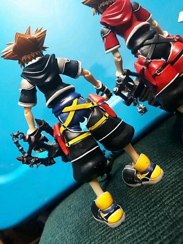 COLLECTABLE Play Arts Kai - Roxas and 2x Sora - Kingdom Hearts FIGURES EUC