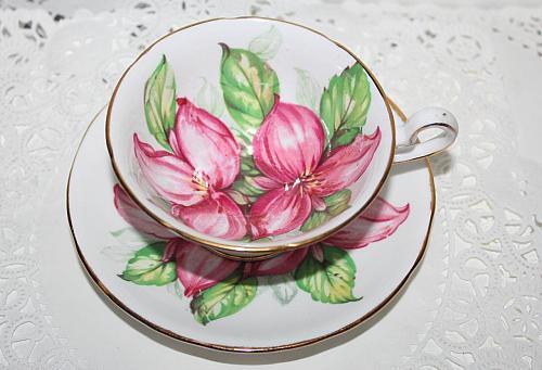 Vintage Royal Stafford Large Pink Trillium Teacup & Saucer Fills the Teacup