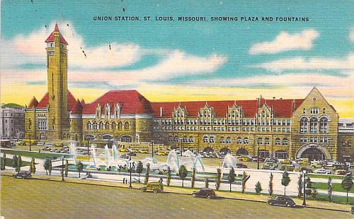 Union Station, St. Louis MO Showing Plaza and Fountains Vintage Postcard