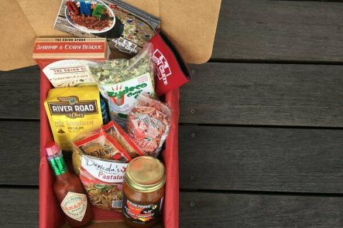 CAJUN BASKET box NEW ORLEANS LOUISIANA GOURMET FOOD GIFT Spices Free Shipping