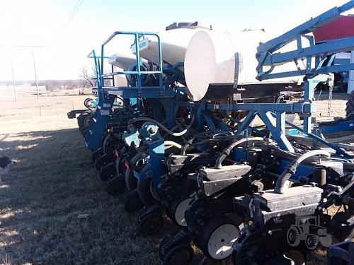 2013 Kinze 3600ASD Planter