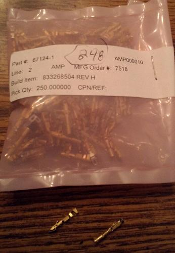 Lot of 248: AMP 87124-1 Wire-to-Board Connector Gold Contacts :: FREE Shipping