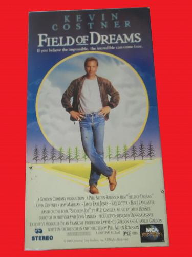 FIELD OF DREAMS (VHS) KEVIN COSTNER (DRAMA/THRILLER), PLUS FREE GIFT