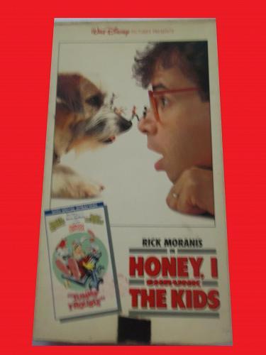 HONEY I SHRUNK THE KIDS (PLUS CARTOON) (VHS) RICK MORANIS (CMDY), PLUS FREE GIFT