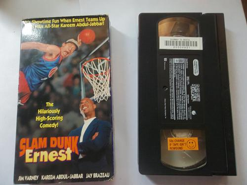 SLAM DUNK ERNEST (VHS) JIM VARNEY, (COMEDY/SPORTS), PLUS FREE GIFT