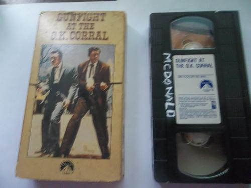 GUNFIGHT AT THE O.K. CORRAL (VHS) BURT LANCASTER (WSTRN CLASSIC), PLUS FREE GIFT
