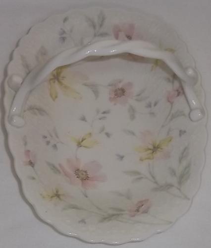 Mikasa 'Lila' ivory bone china basket with handle