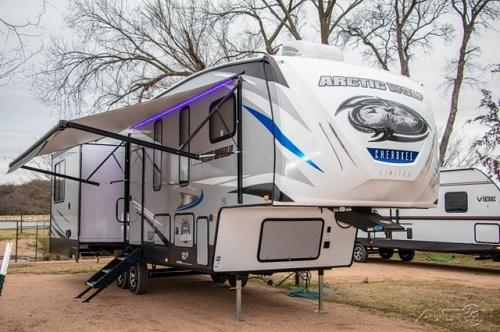 2019 Forest River Cherokee Arctic Wolf 295QSL8 For Sale in Post Falls, Idaho 83854