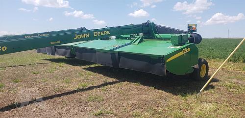 2010 John Deere 956 Pull Type Mower