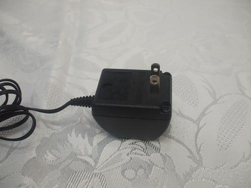 Noikia Mobile Cell Phone Charger Output: 3.7 V DC 0.35A