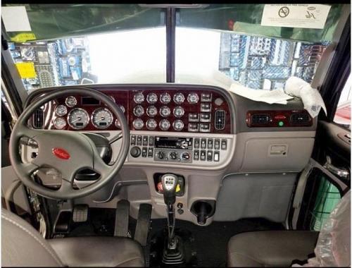 2020 Peterbilt 389 Semi Tractor For Sale in Gilbertsville, Pennsylvania 19525