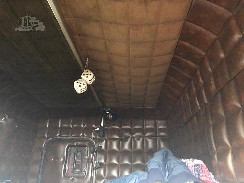 1980 Peterbilt 359 EXHD Semi Tractor With 2008 Carrier 2500A Utility Reefer Trailer