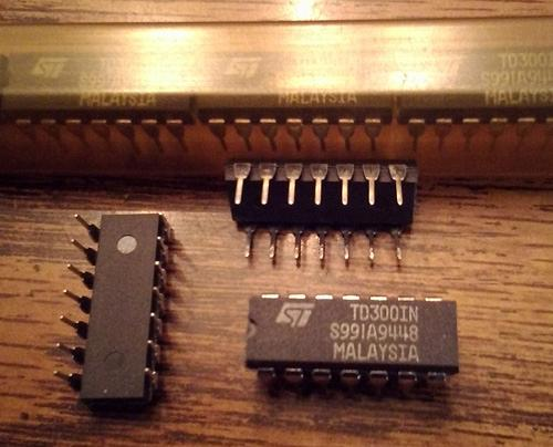 Lot of 14: ST Microelectronics TD300IN