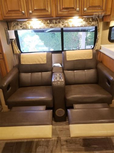 2016 Thor Motor Coach Venetian A40 For Sale in Las Vegas, Nevada 89141