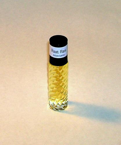 Raat Rani - Indian Perfume Oil / Attar 10 ml