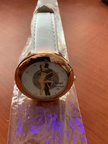 Dancing couple leather quartz wrist watch