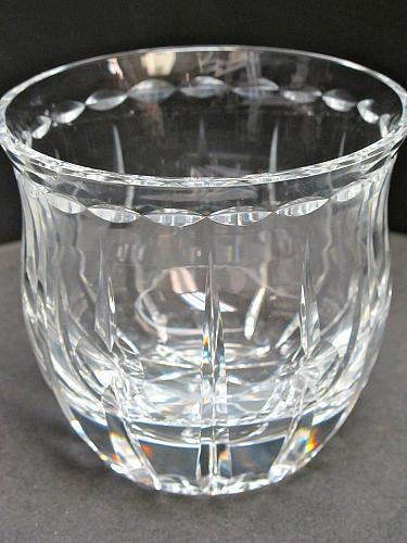 Hand cut candy bowl 24% crystal Signed O'ROURKE Mouth blown hand polished