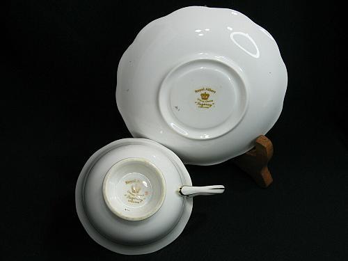 Royal Albert Regency Tea Cup and Saucer Gold Gilt