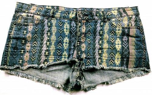 Forever 21 Women's Booty Jean Shorts Size 31 Blue Boho Pockets Stretch Raw Hem