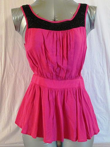 FOREVER 21 womens Small SLEEVELESS EMBELLISHED BEADED PINK TOP (C)