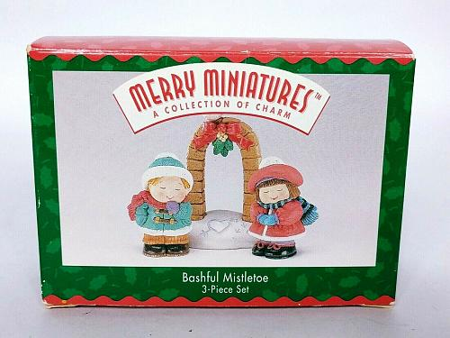 Hallmark Merry Miniatures Christmas Bashful Mistletoe 3 Piece Set 1996