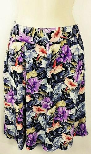 Max-Max Women's Pleated Knee Length Skirt Floral No Size Tag