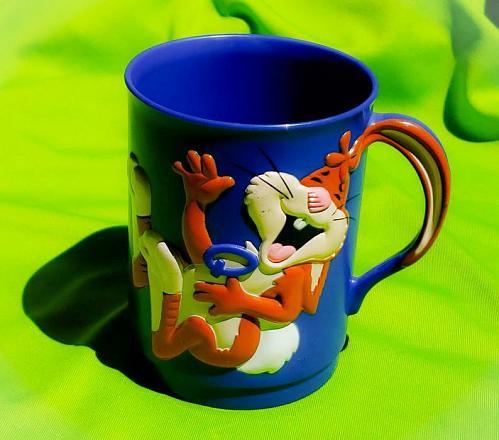 Vintage 1980's NESTLE QUIK Blue 3D Graphic Collectors Mug