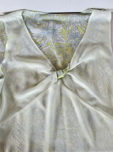 GLORIA VANDERBILT womens Sz 10 sleeveless yellow gray white KNOT FRONT top (H)