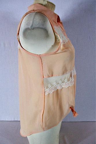 DELIAS womens Medium orange WHITE LACE panels TIE front button up HI LOW top (J)