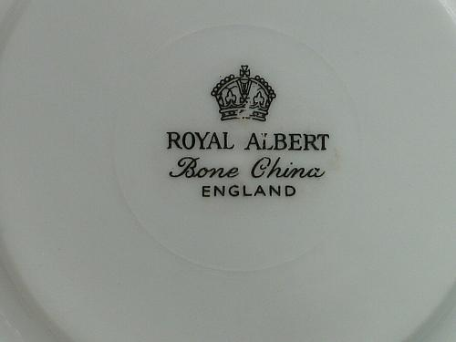 Royal Albert Tea Cup and Saucer Set 50th Anniversary Gold Gilt