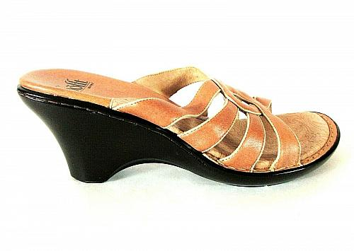 Sofft Beige Slip On Wedge Heels Open Toe Sandals Shoes Women's 9 1/2 M (SW3)