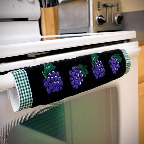 Oven Door Handle Cover with Grape Design