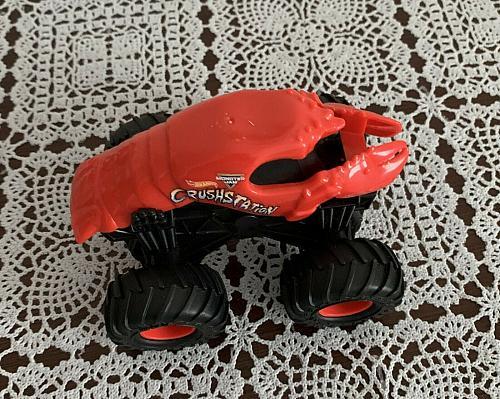 Hot Wheels Monster Jam Crushstation 1:64 Diecast Red Lobster Monster Truck