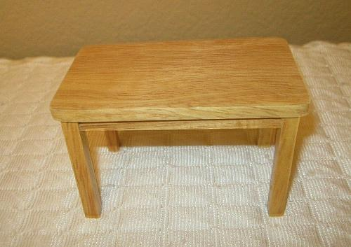 Town Square MINIATURE DINING TABLE AND 2 CHAIRS DOLLHOUSE ~ 1:12 Scale